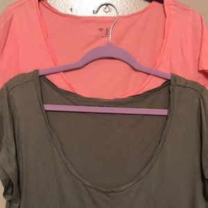 2 Gap cotton tees